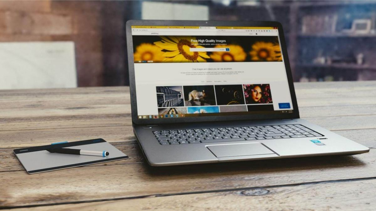 Mały laptop – jaki przenośny laptop kupić?