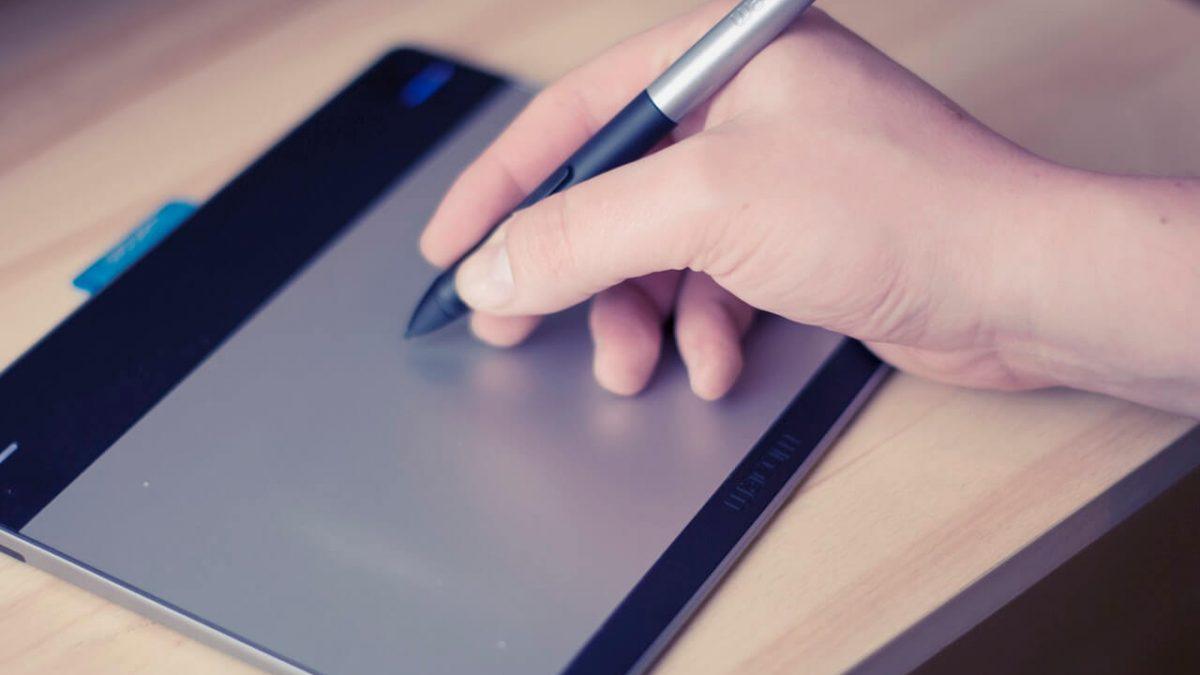 Jaki tablet graficzny kupić? Wybieramy najlepszy tablet graficzny z wyświetlaczem i nie tylko